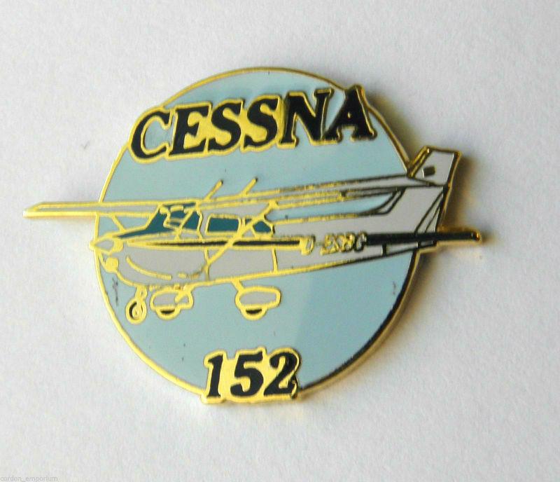 CESSNA 152 PLANE CIVIL AIRCRAFT LAPEL PIN BADGE 1 INCH
